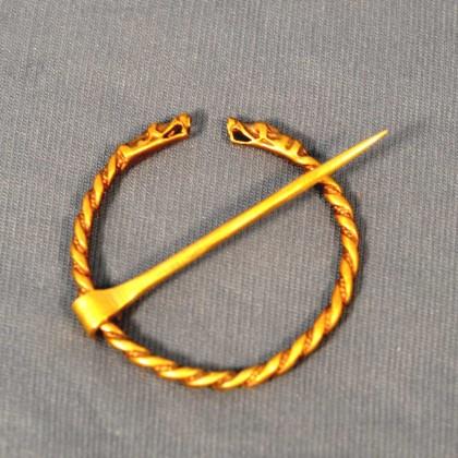 Anular Brooch